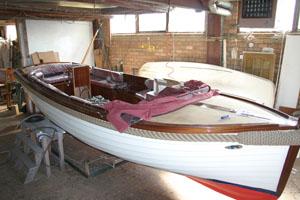 Varen op de Kaag - zeilboot in aanbouw.